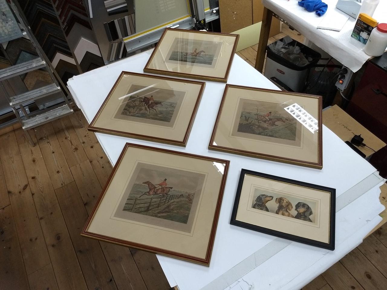 Voor Stichting Het Nationale Park De Hoge Veluwe heb ik de afgelopen maanden ten behoeve van het Park Paviljoen en De Zwarte Berg een grote collectie antieke prenten en enkele schilderijen in mogen lijsten.