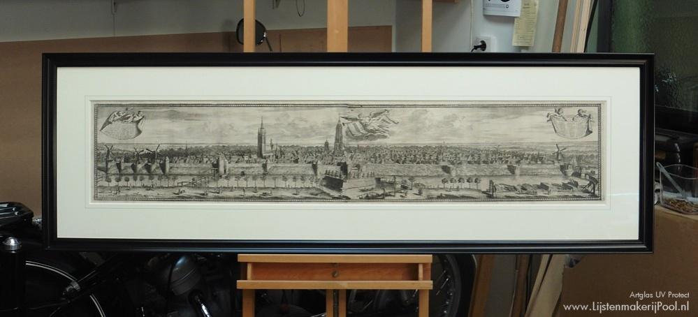 """17e eeuwse gravure """"Delft"""" volledig conserverend ingelijst. Lijstenmakerij Pool"""