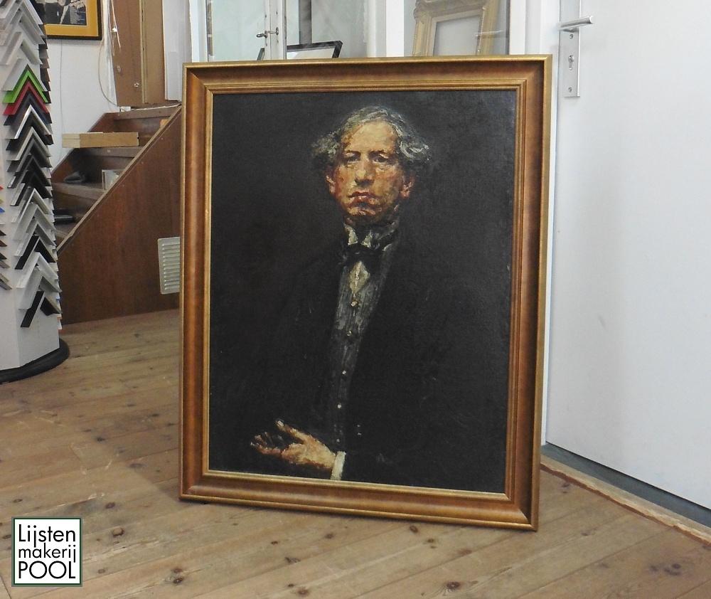 Schilderij Martin Monnickendam voor expositie Museum Elburg van nieuwe omlijsting voorzien. Lijstenmakerij Pool Elburg.