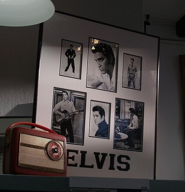 Foto's Elvis ingelijst