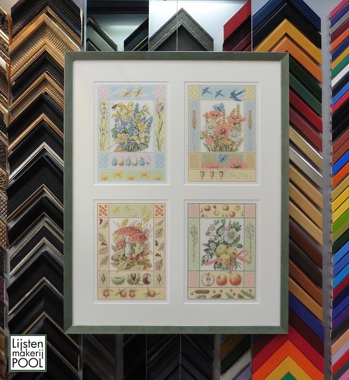 4 Borduurwerken in één lijst gevat met een passe-partout met 4 uitsneden en Artglas. Lijstenmakerij Pool Elburg