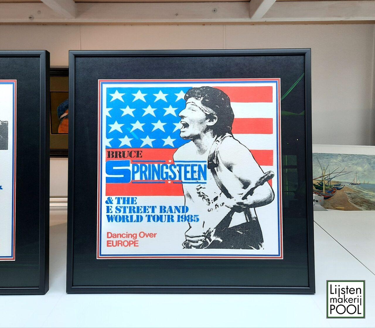 Vintage T-shirt Bruce Springsteen ingelijst, inlijsten memorabilia Lijstenmakerij Pool Elburg.